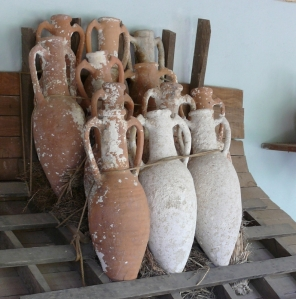Amphorae Photo credit: Foter / Creative Commons Attribution-ShareAlike 3.0 Unported (CC BY-SA 3.0)